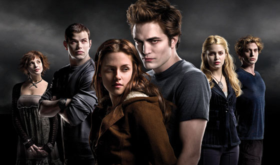 Vampires or Teens: Who&#8217;s Got It Worse? <i>Twilight</i> Fans Want to Know
