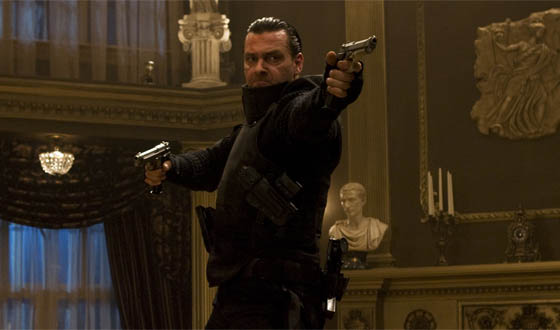 Punisher Ray Stevenson Discusses Weapons and <em>War Zone</em>