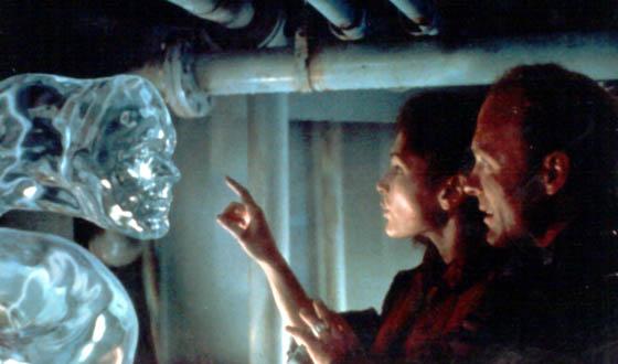 John Scalzi &#8211; Lights! Camera! Literature! Good SF Movie Novelizations Like <em>The Abyss</em> and <em>E.T.</em>