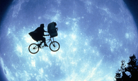 Seven Iconic Shots of the Moon in the Movies (No, We're Not Talking About Mooning)