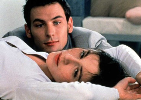 Sex in Movies That Challenged the Ratings 10 - Romance (1999): France gives male genitalia a fresh look
