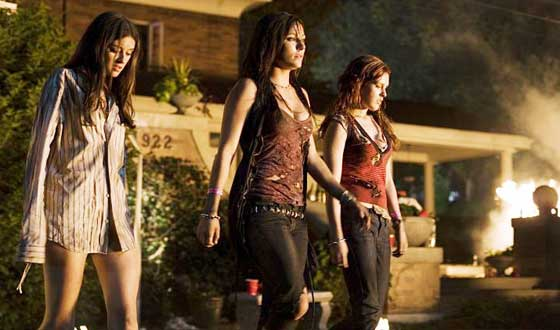 <em>Sorority Row</em> Review &#8211; Kiss the Girls and Make Them Die