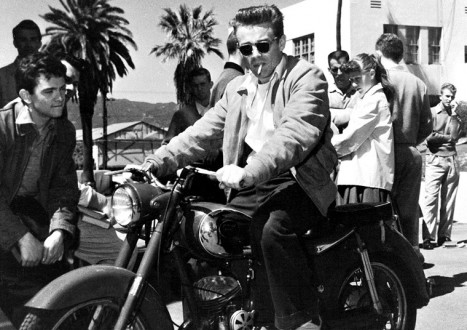 James Dean Photos 1 - 10 Essentials of Living Fast and Dying Young