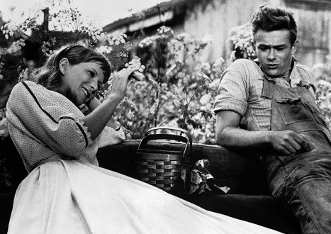 James Dean Photos 6 - 6. The Shrug-Sideways Glance Combo