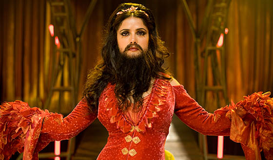<em>Cirque du Freak</em> Review &#8211; Is a Bearded Salma Hayek Scary? Well, That Depends&#8230;