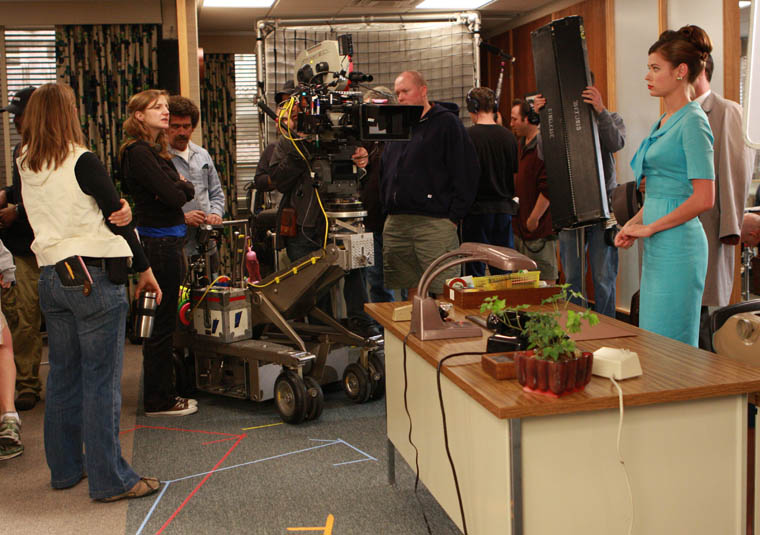 Mad Men Season 2 Behind the Scenes 5 - Mad Men Season 2 Behind the Scenes