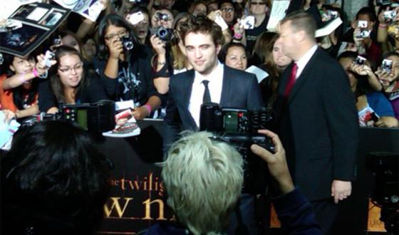 Photos &#8211; AMC News at <em>Twilight: New Moon</em> Premiere
