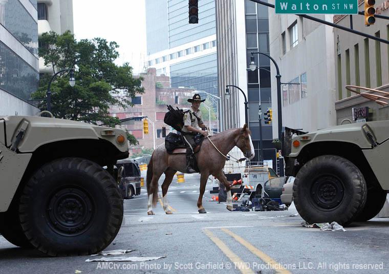 The Walking Dead Season 1 Episode Photos 15 - The Walking Dead Season 1 Episode Photos