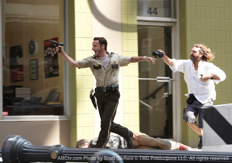 The Walking Dead Season 1 Behind the Scenes Photos 17 - The Walking Dead Season 1 Behind the Scenes Photos