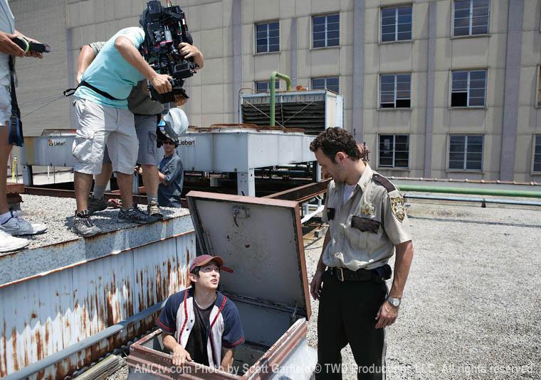 The Walking Dead Season 1 Behind the Scenes Photos 19 - The Walking Dead Season 1 Behind the Scenes Photos