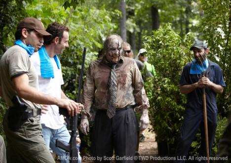The Walking Dead Season 1 Behind the Scenes Photos 25 - The Walking Dead Season 1 Behind the Scenes Photos