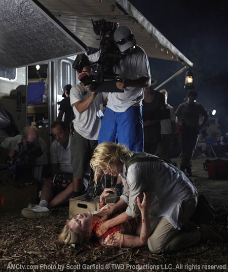 The Walking Dead Season 1 Behind the Scenes Photos 30 - The Walking Dead Season 1 Behind the Scenes Photos