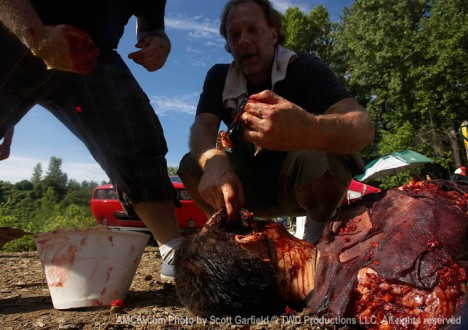The Walking Dead Season 1 Behind the Scenes Photos 31 - The Walking Dead Season 1 Behind the Scenes Photos