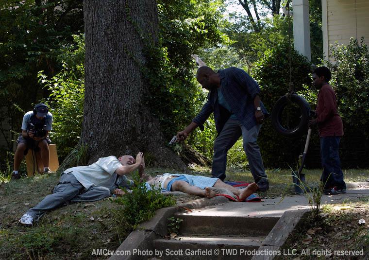 The Walking Dead Season 1 Behind the Scenes Photos 6 - The Walking Dead Season 1 Behind the Scenes Photos