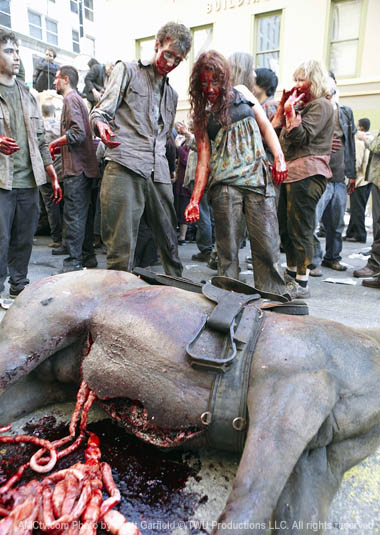 The Walking Dead Season 1 Behind the Scenes Photos 16 - The Walking Dead Season 1 Behind the Scenes Photos
