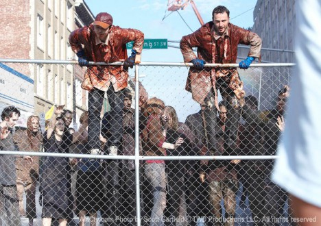 The Walking Dead Season 1 Behind the Scenes Photos 23 - The Walking Dead Season 1 Behind the Scenes Photos