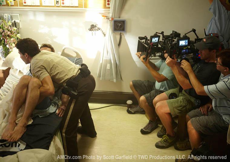 The Walking Dead Season 1 Behind the Scenes Photos 35 - The Walking Dead Season 1 Behind the Scenes Photos