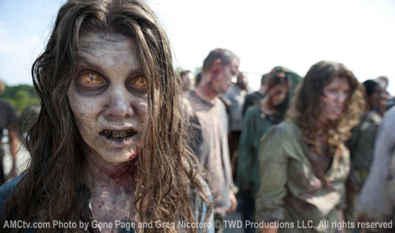 Photos &#8211; First Look at <em>The Walking Dead</em> Season 2