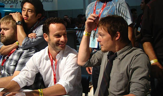 <em>The Walking Dead</em> Invades Comic-Con With a Packed Panel and Autograph Session
