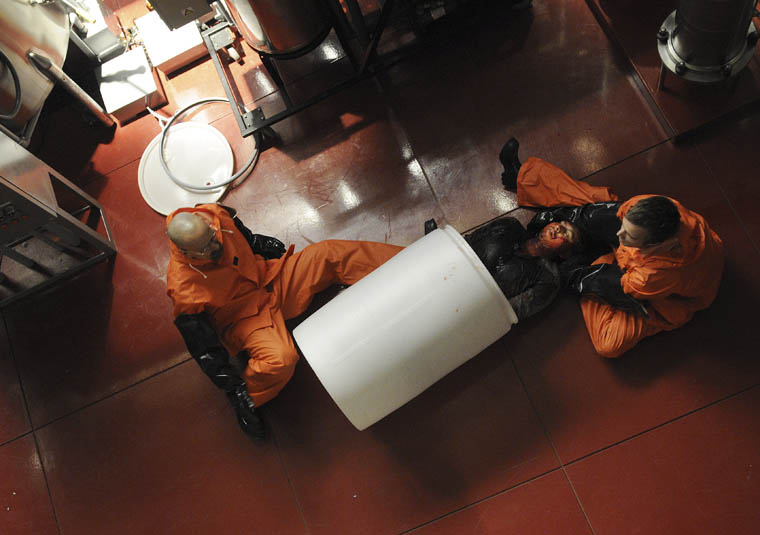 Breaking Bad Season 4 Episode Photos 12 - Breaking Bad Season 4 Episode Photos