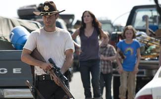 <em>TVLine</em> Praises Season Opener; Cast Teases Season 2 to <em>LA Times</em>