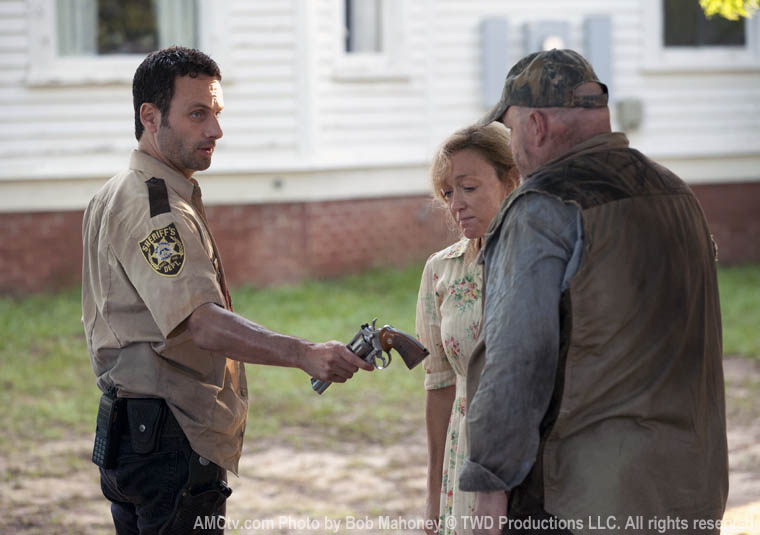 The Walking Dead Season 2 Episode Photos 22 - The Walking Dead Season 2 Episode Photos