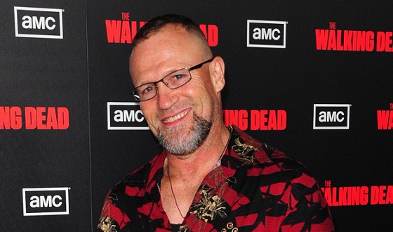 <em>The Walking Dead</em>&#8216;s Michael Rooker Reflects on His Own Horror-Movie History