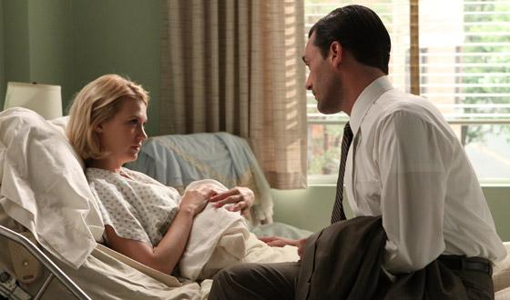 <em>E! Online</em> Has Photo of January Jones&#8217;s Baby; Matthew Weiner on <em>Hollywood Reporter</em>&#8216;s Top 50