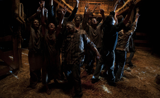 <em>Talking Dead</em> Poll &#8211; Your Girlfriend&#8217;s Father Has a Barn Full of Zombies&#8230; What Do You Do?