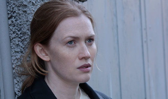 Mireille Enos Reacts to Her Golden Globe Nomination; Mark Moses Joins <em>The Killing</em> Cast