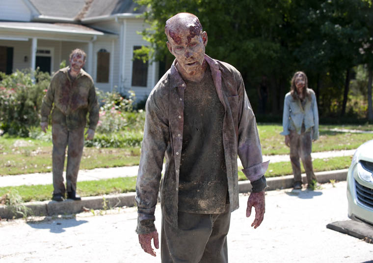 Season 2 Zombie Photos 12 - Season 2 Zombie Photos
