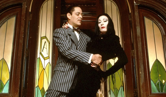 the-addams-family-raul-angelica-560.jpg