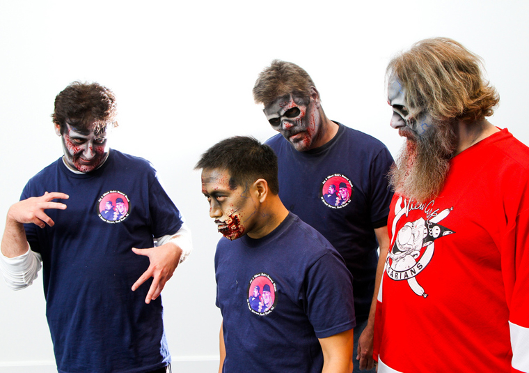 The Comic Book Men as Zombies 9 - The Comic Book Men as Zombies
