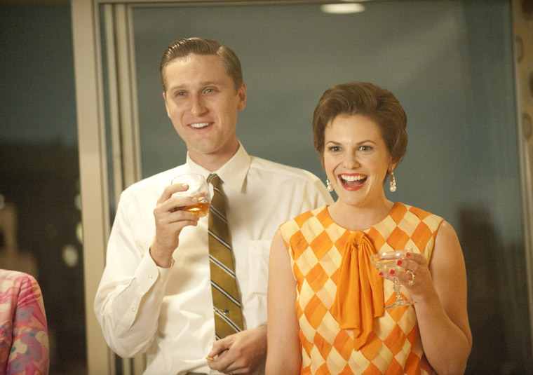 Mad Men Season 5 Episode Photos 9 - Mad Men Season 5 Episode Photos