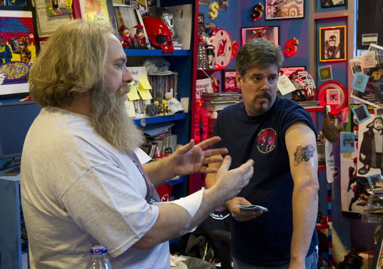 Comic Book Men Season 1 Photos 43 - Comic Book Men Season 1 Photos