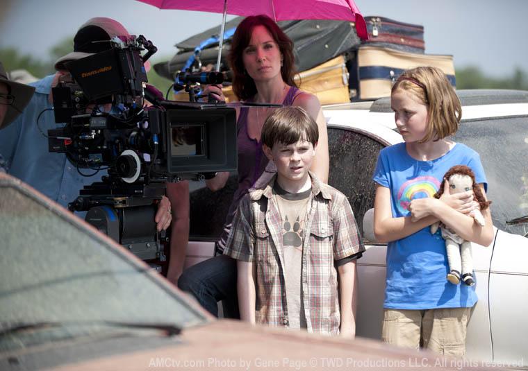 The Walking Dead Season 2 Behind the Scenes Photos 1 - The Walking Dead Season 2 Behind the Scenes Photos