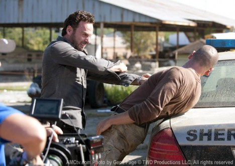 The Walking Dead Season 2 Behind the Scenes Photos 17 - The Walking Dead Season 2 Behind the Scenes Photos