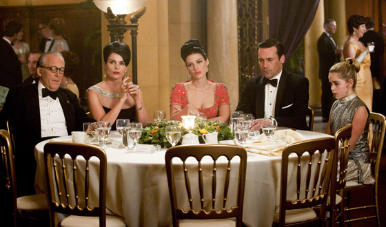 The <em>Mad Men</em> Fashion File &#8211; Around We Go