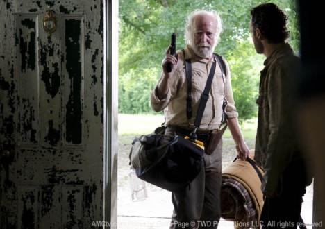Hershel Greene (Scott Wilson) and Rick Grimes (Andrew Lincoln) in Episode 1 of The Walking Dead