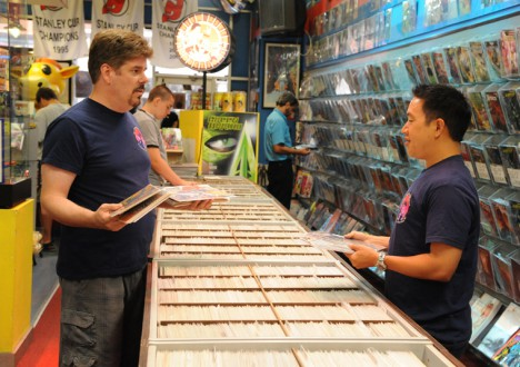 Comic Book Men Season 2 Episode Photos 3 - Comic Book Men Season 2 Episode Photos