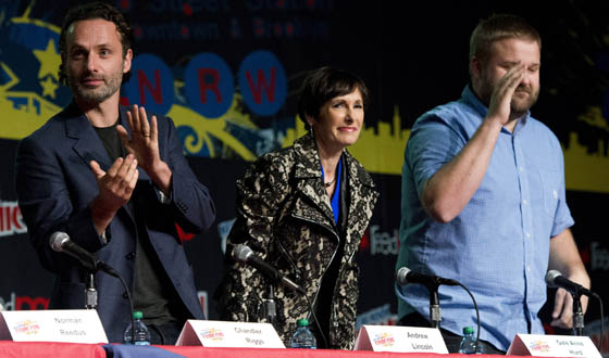 Photos &#8211; <em>The Walking Dead</em> Panel at New York Comic Con 2012