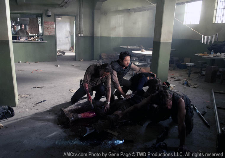 Rick Grimes (Andrew Lincoln), Glenn Rhee (Steven Yeun), Maggie Greene (Lauren Cohan), Hershel Greene (Scott Wilson) and Daryl Dixon (Norman Reedus) in Episode 2 of The Walking Dead