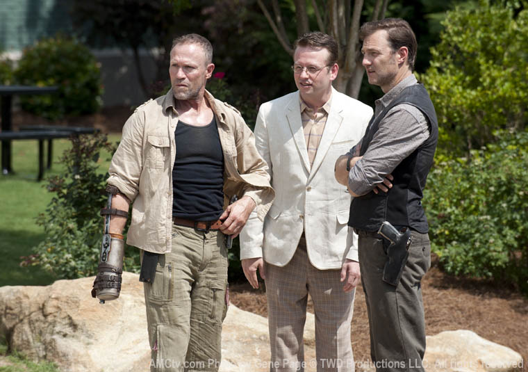 Merle Dixon (Michael Rooker), Milton (Dallas Roberts) and the Governor (David Morrissey) in Episode 3