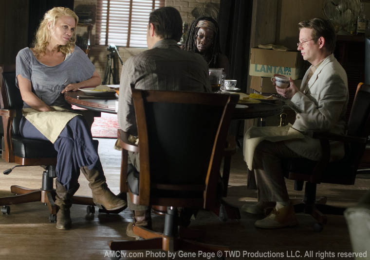 Andrea (Laurie Holden), the Governor (David Morrissey), Michonne (Danai Gurira) and Milton (Dallas Roberts) in Episode 3 of The Walking Dead
