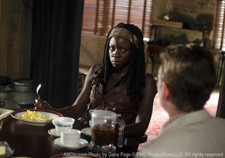 Michonne (Danai Gurira) and Milton (Dallas Roberts) in Episode 3 of The Walking Dead
