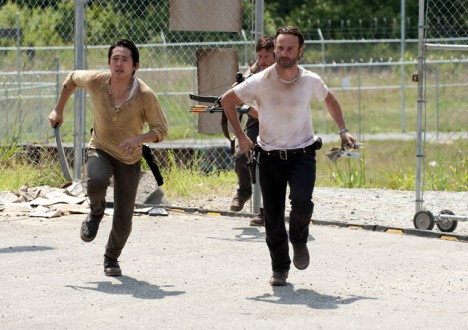 Glenn Rhee (Steven Yeun), Daryl Dixon (Norman Reedus) and Rick Grimes (Andrew Lincoln) in Episode 4 of The Walking Dead