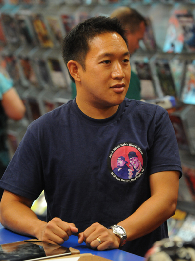 Comic Book Men Season 2 Episode Photos 12 - Comic Book Men Season 2 Episode Photos