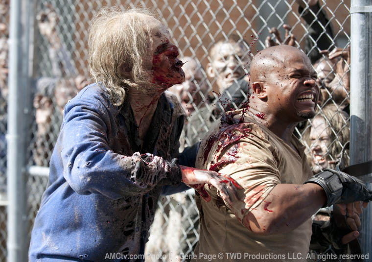 T-Dog (IronE Singleton) in Episode 4 of The Walking Dead