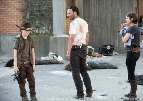 Carl Grimes (Chandler Riggs), Rick Grimes (Andrew Lincoln) and Maggie Greene (Lauren Cohan) in Episode 4 of The Walking Dead