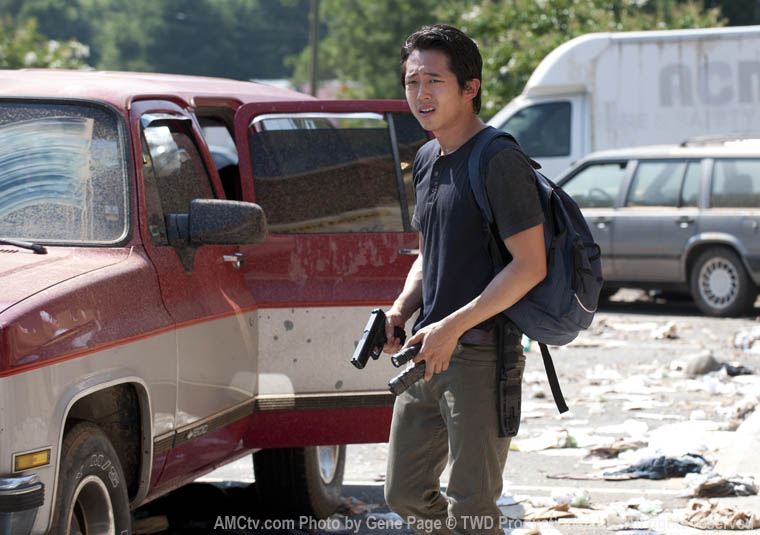 Glenn Rhee (Steven Yeun) in Episode 6 of The Walking Dead